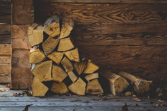 5 Reasons to Invest in a Wood Burning Fireplace in 2017