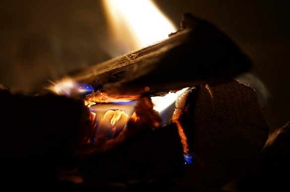 Steel vs. Cast Iron Wood Burning Stoves - Fireplace Selection