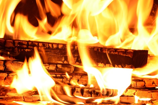 5 Things to Avoid When Buying a Wood Burning Fireplace